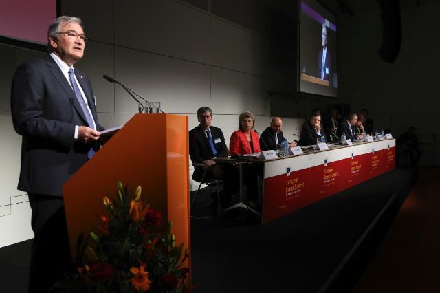 Zon Weisz during the 3rd Roma Summit © European Commission http://ec.europa.eu